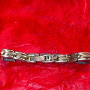Beautiful stainless steel magnetic bracelet
